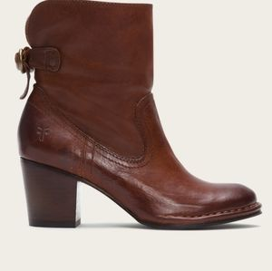 Frye Lucinda Short Boot Bootie Whiskey Brown Sz 8M